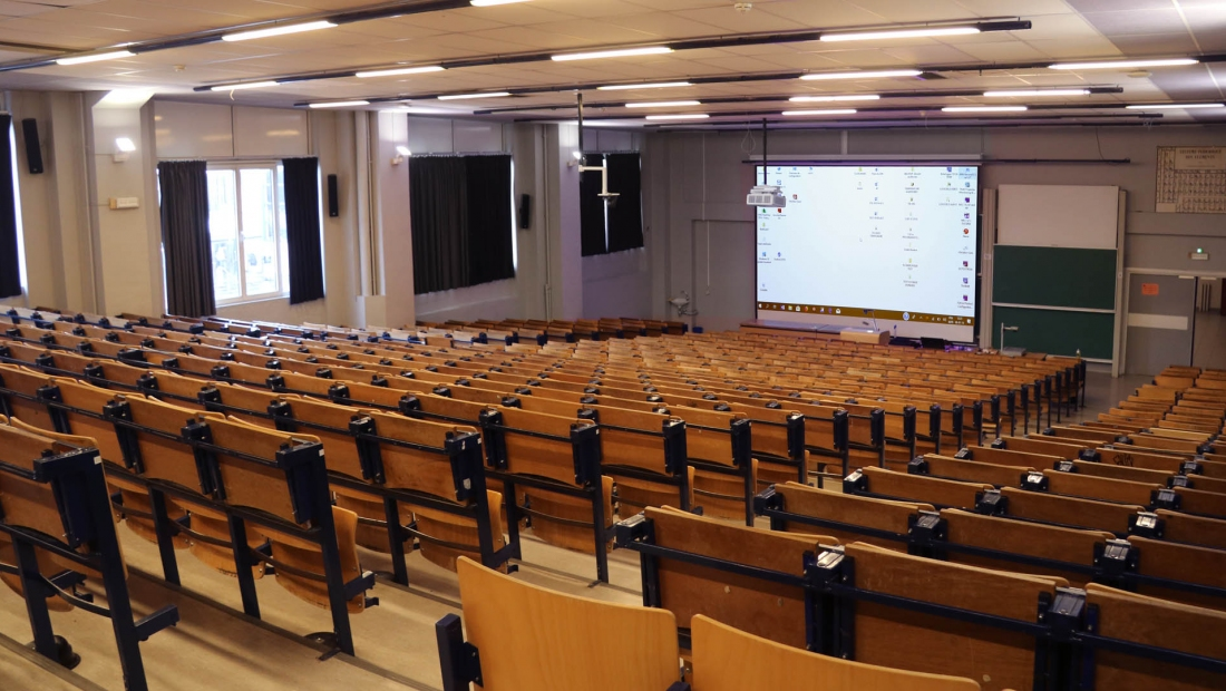 300-people Auditorium